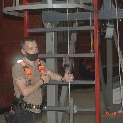 Визит на полигон по отработке навыков безопасных методов и приёмов выполнения работ на высоте в г. Санкт-Петербурге
